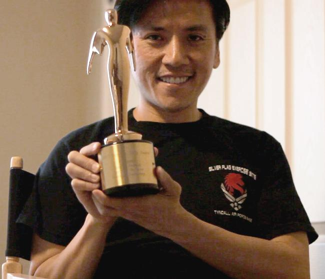 Cal Nguyen accepts 2013 People's bronze Telly Award for Day Zero the series